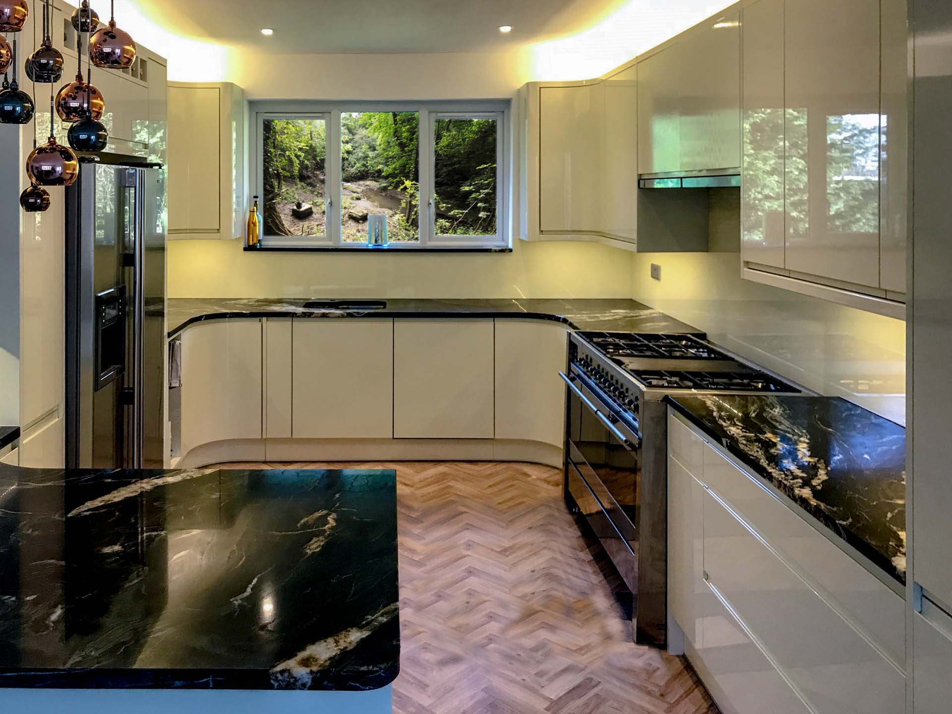 Belvedere Granite worktops Hastings East Sussex Farrow & Ball Pointing sparkle splashback Southern Counties Glass