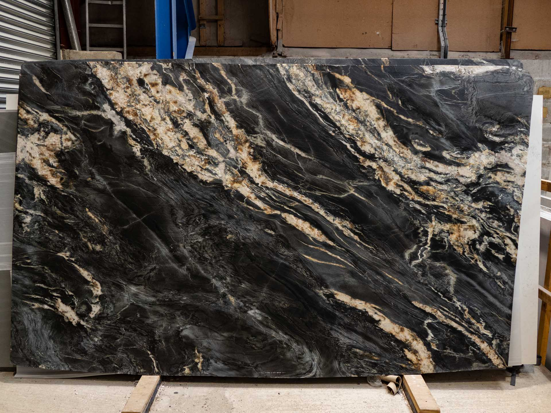 choosing slabs Belvedere granite leather
