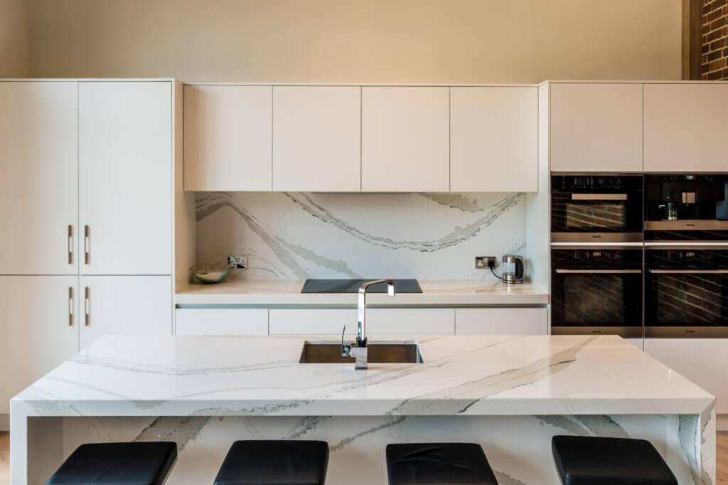 cambria-brittanicca-quartz-affordable-granite-worktops-115321