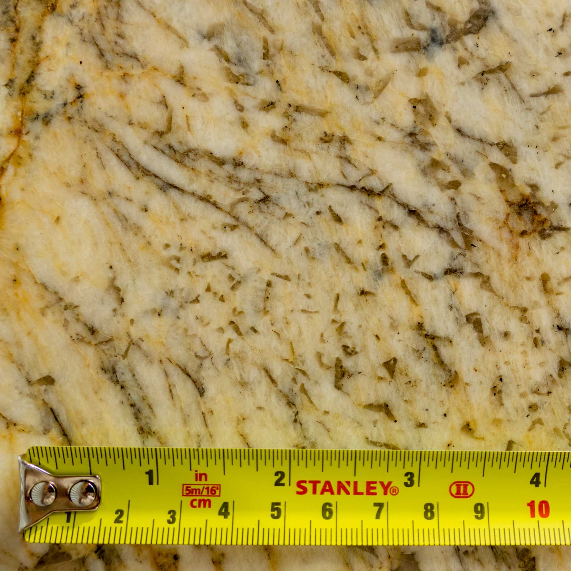champagne-gold-granite-le180716-33651-143427a