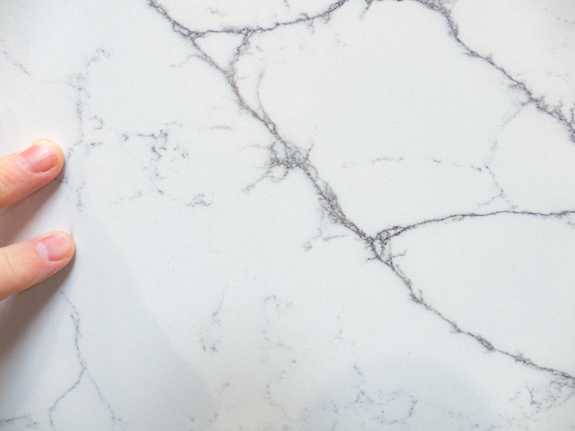 granite and quartz slabs Classic-Quartz-Alaska-Bianca-CQ180621-33465-093128-a