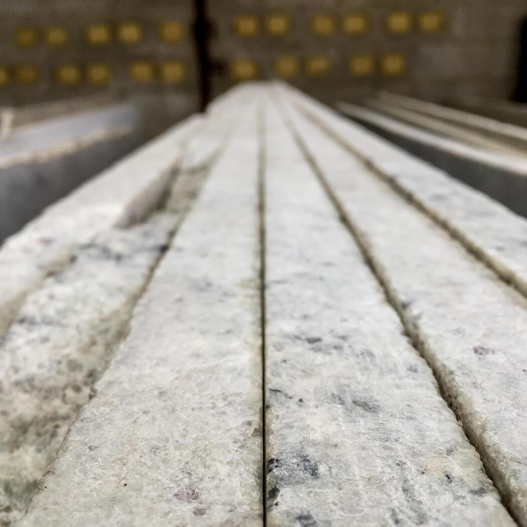 colonial-white-slab-edges