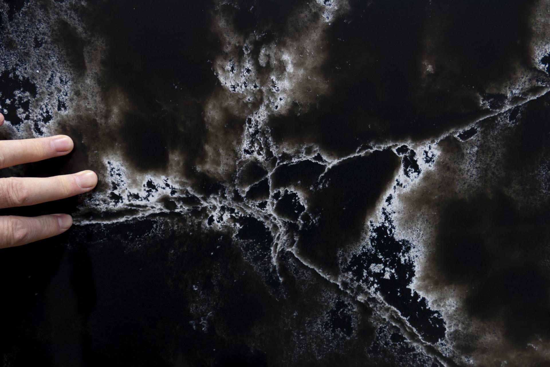 Compac Ice Black Quartz CM210706 40527 095954 a