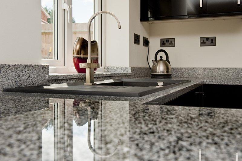 Granite-Worktops-1-min