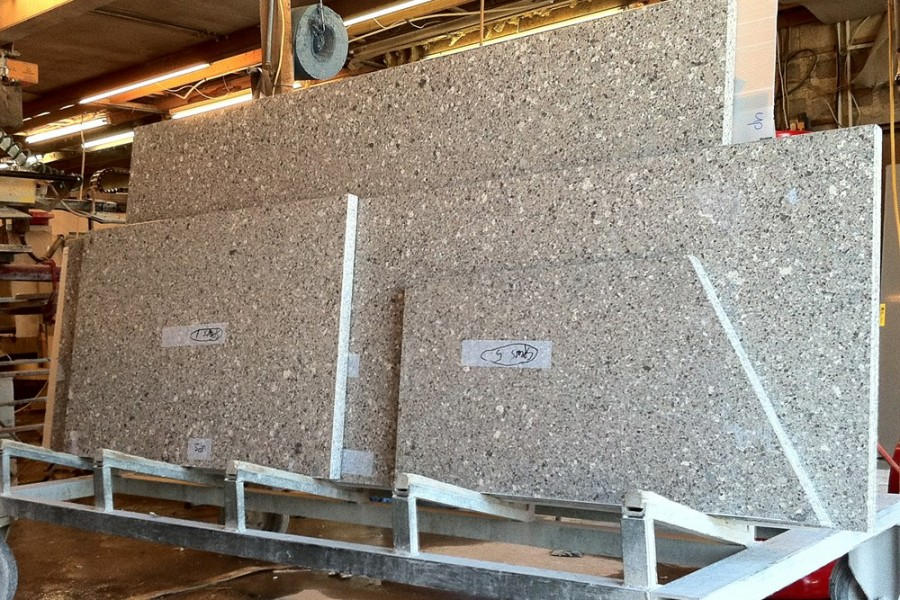 NATURAL STONE COMPARED TO QUARTZ ENGINEERED FOR KITCHEN WORKTOPS UK