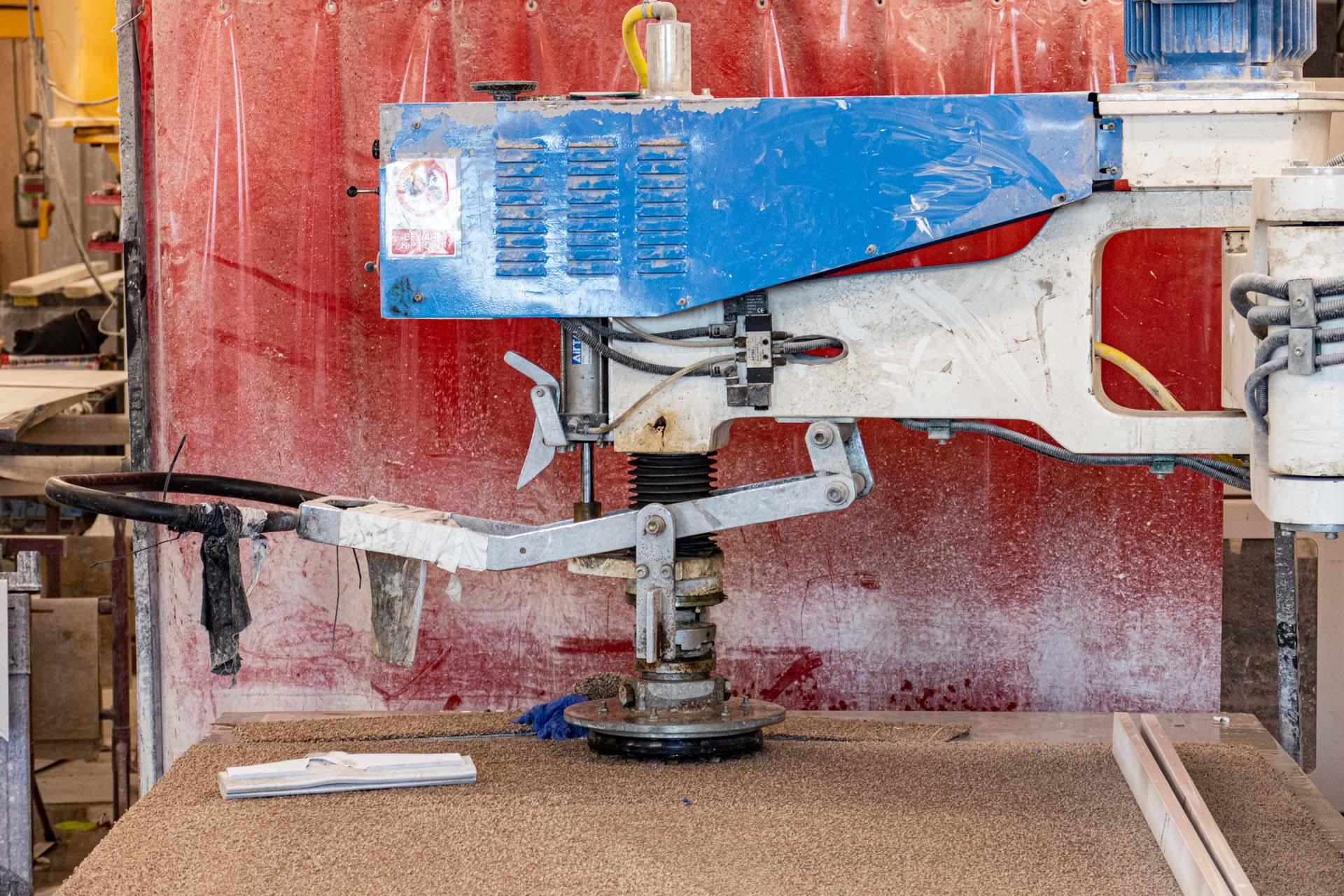 Jenny Lind face polishing machine quartz worktops unistone 190829 112717a