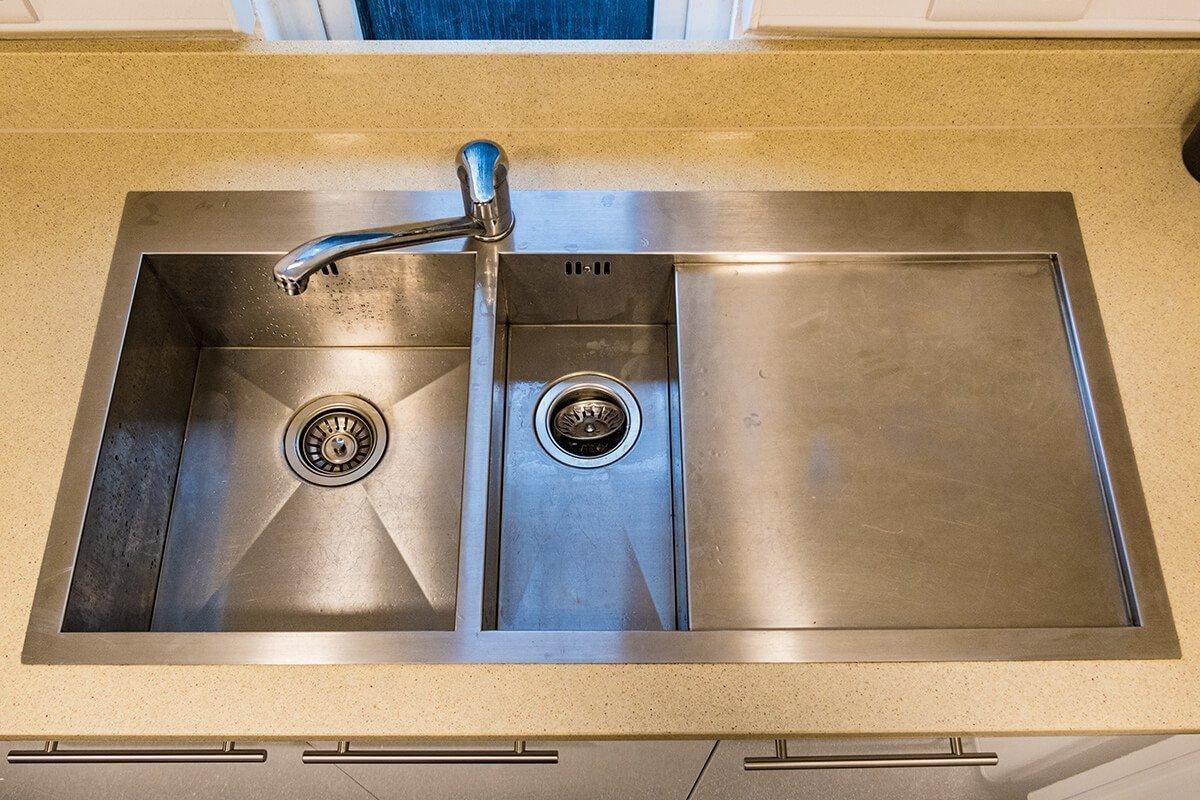 silestone-crema-urban-quartz-worktop-topmount-sink