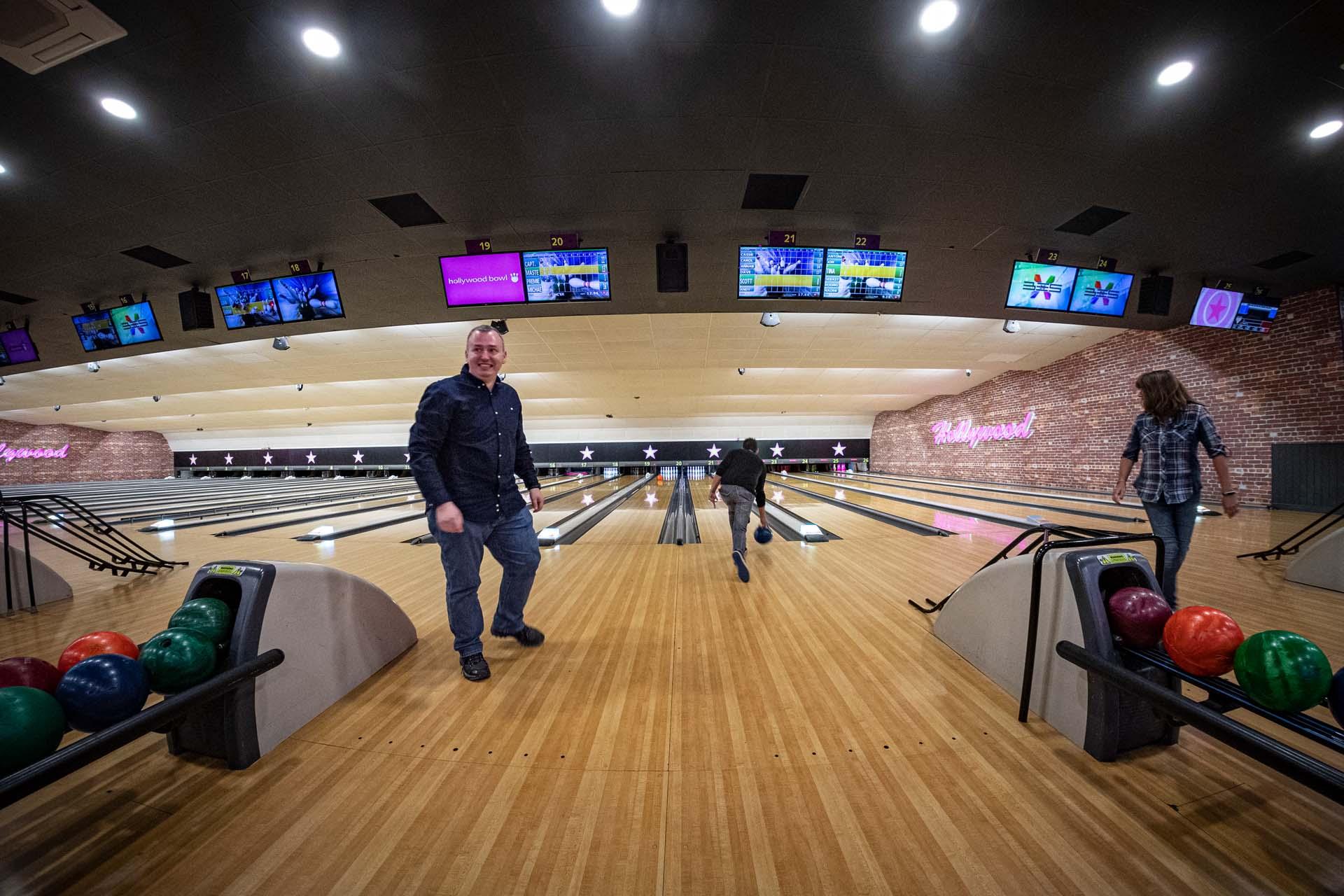 Staff training health and safety bowling crawley hollywood bowl 161901a