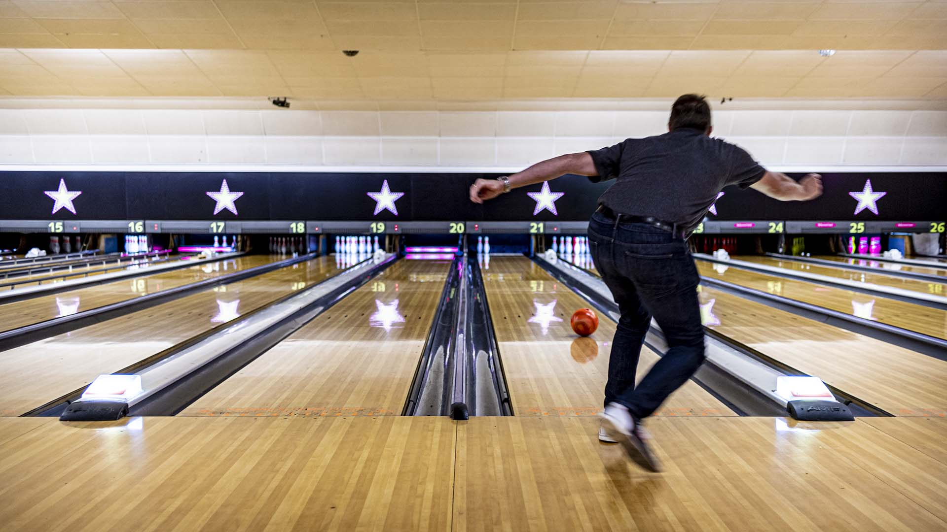 Ten Pin Bowling health and safety bowling crawley hollywood bowl 165104 (1) new