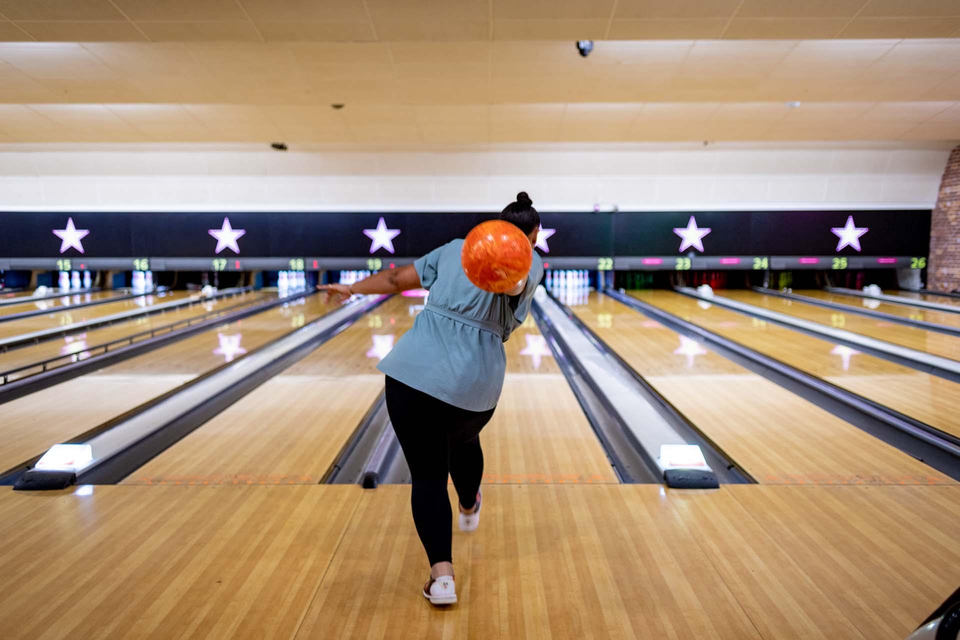 Staff training health and safety bowling crawley hollywood bowl 170033a