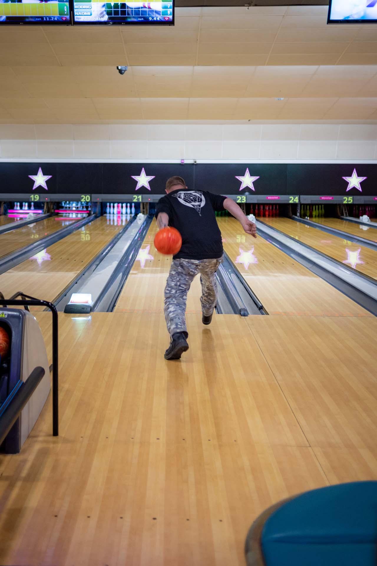 Staff training health and safety bowling crawley hollywood bowl 170958a