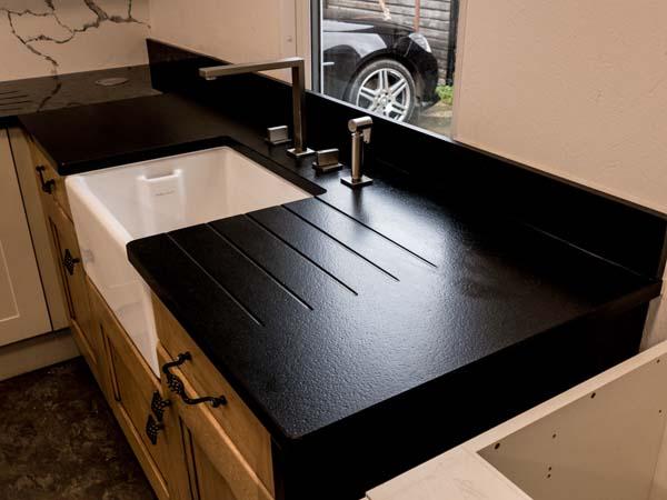 steel-grey-moak-black-calacatta-bianco-grigio-quartz-granite-worktops151903_1