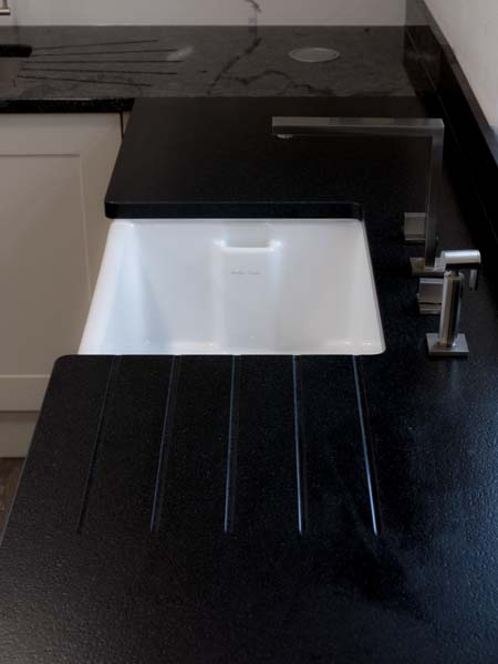 steel-grey-moak-black-calacatta-bianco-grigio-quartz-granite-worktops152228_1