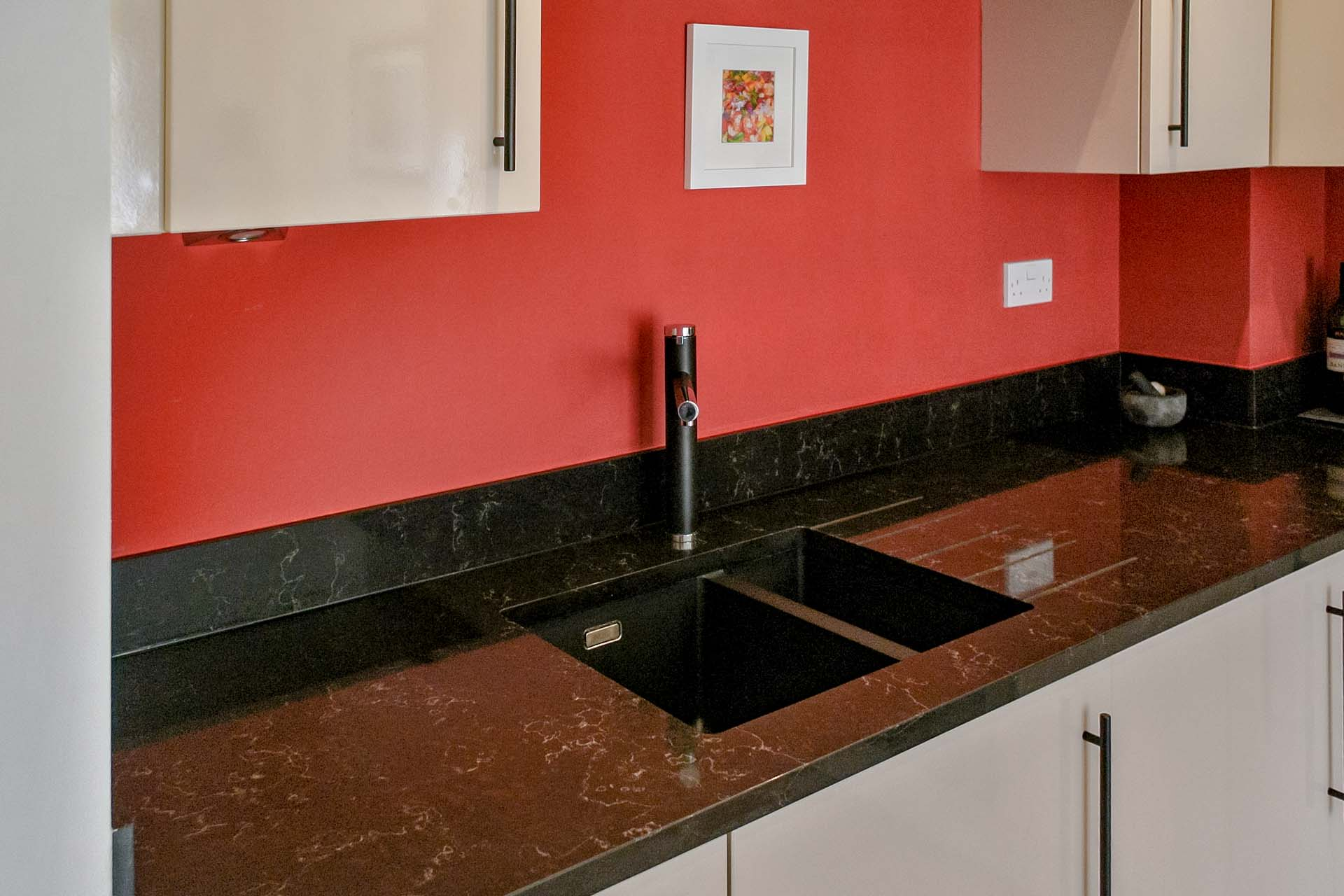 Unistone Java Black Noir Quartz Worktops Surrey Reigate Granite Franke SID160 Tectonite sink 094122