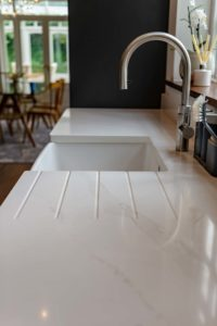 affordable-granite-worktops-silestone-eternal-calacatta-gold-oxted-rh8-104312-a-1920