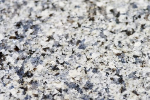 azul-platino-granite-east-grinstead-122106-a-surface-detail-min