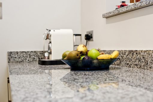 azul-platino-granite-east-grinstead-124912-a-worktop-min