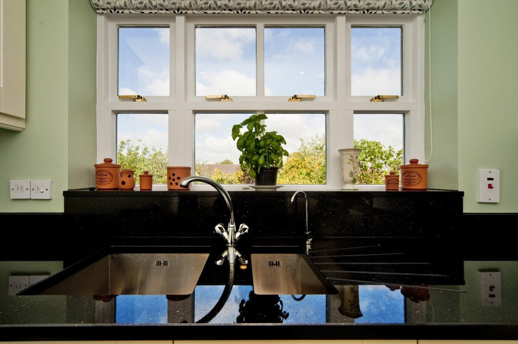 black-galaxy-granite-south-croydon-105913-a-windowsill-sink-layout-min