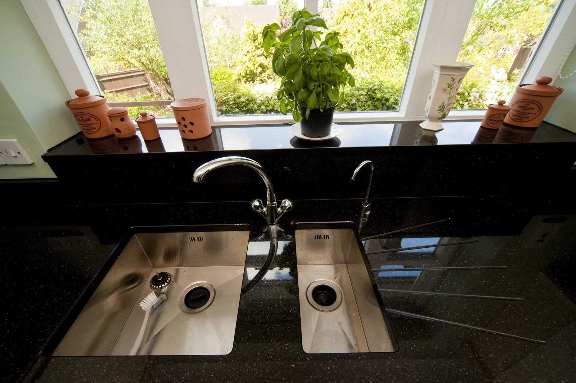 black-galaxy-granite-south-croydon-110224-a-twin-sink-layout-undermount-min