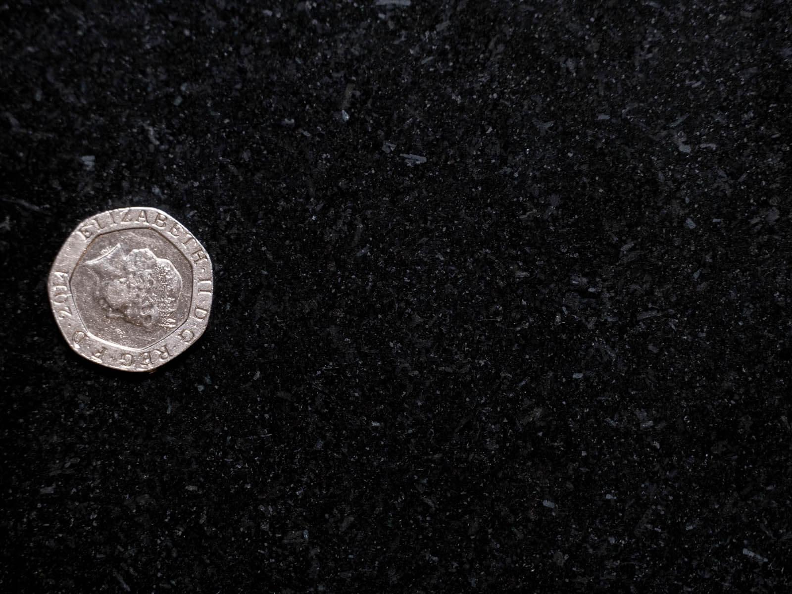 black-granite-quartz-123905-a
