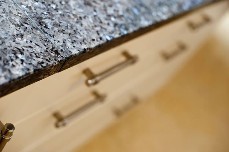 Close-up of the joint in the worktop