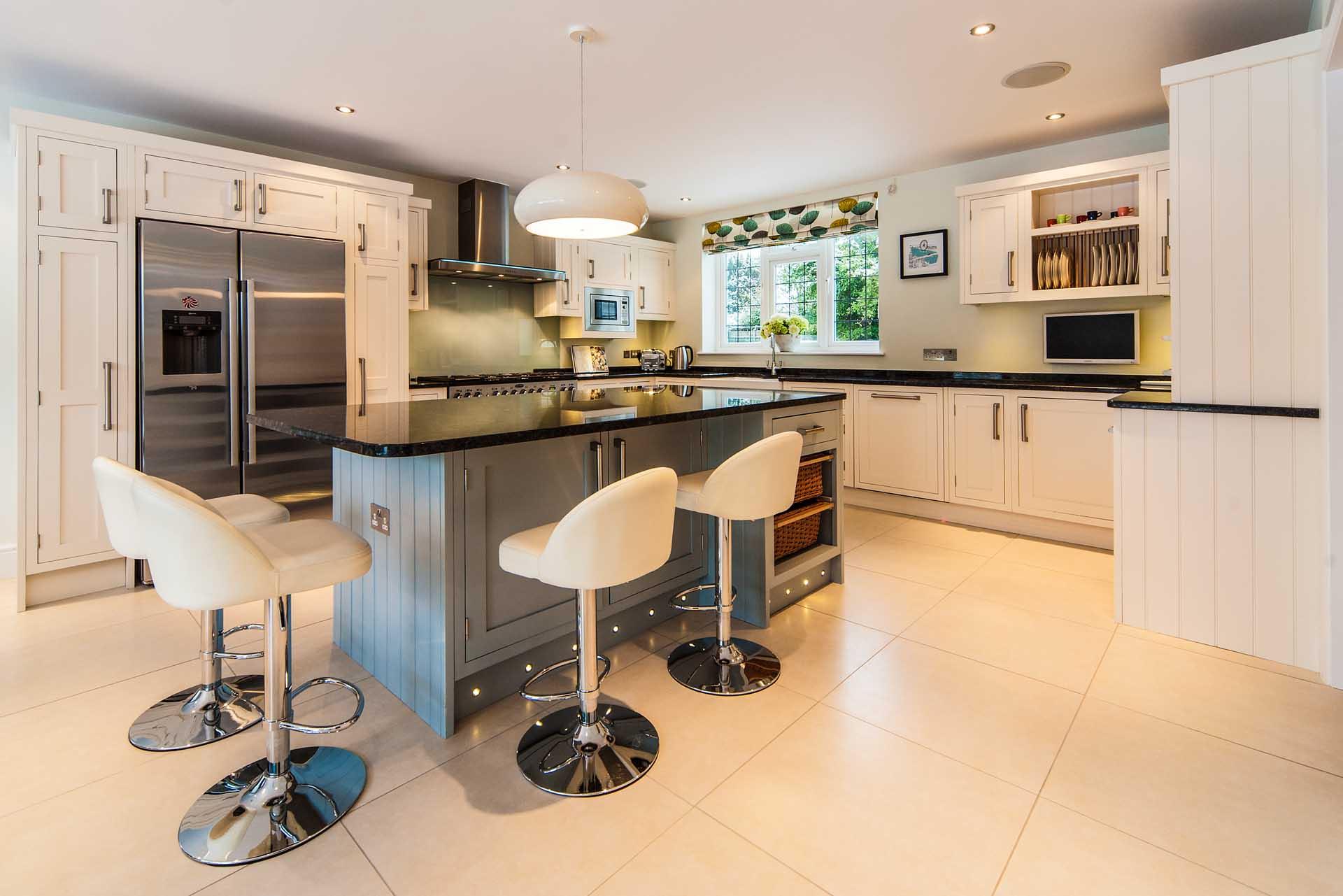 glass-splashbacks-surrey-steel-grey-granite-worktops-offer-110424
