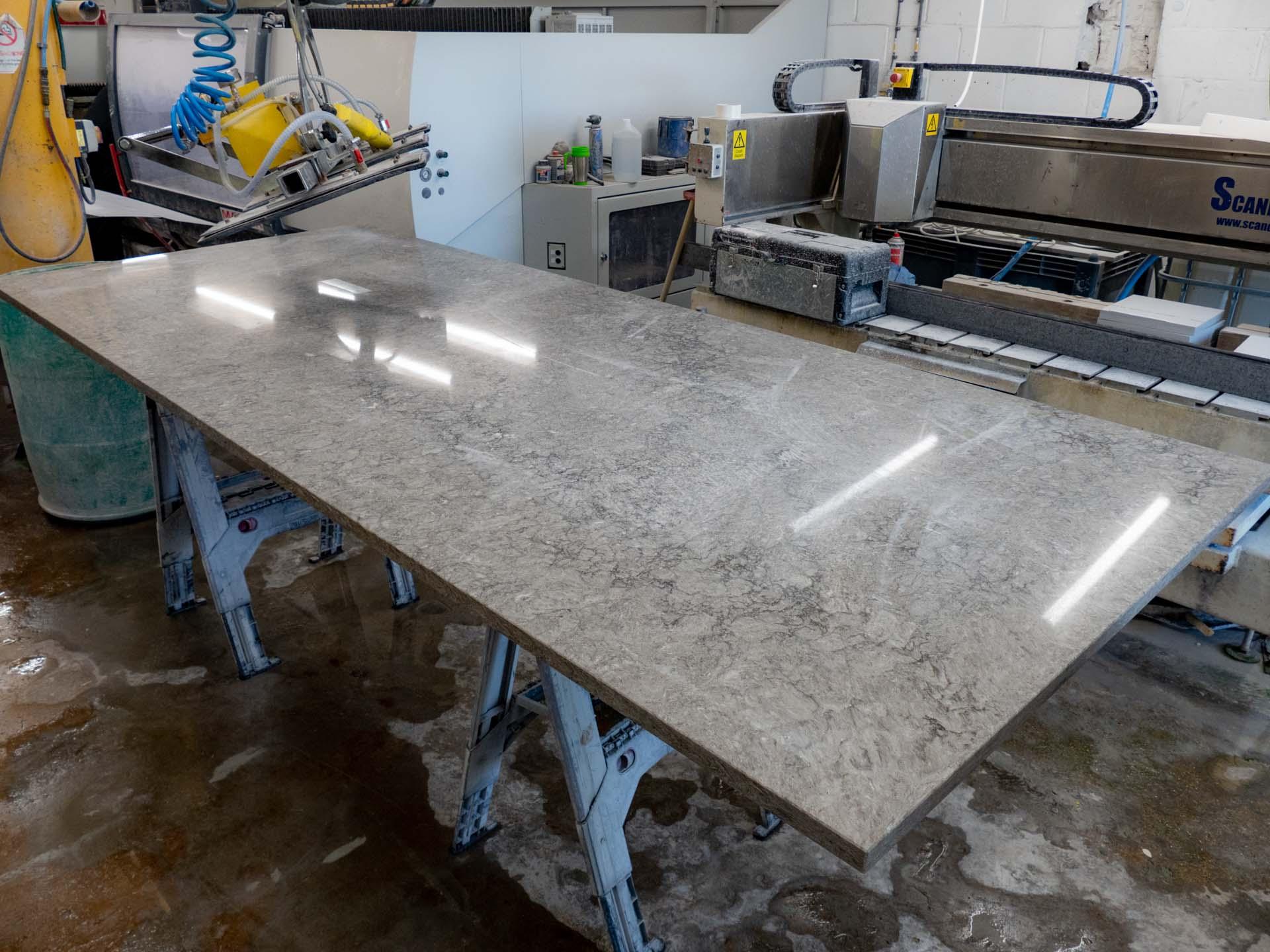 grey-quartz-worktops-caesarstone-turbine-grey-6313-100836-a