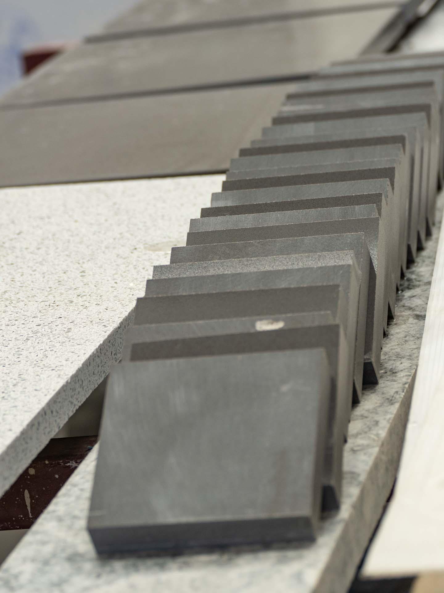 Grey quartz worktops: great materials for the grey market!