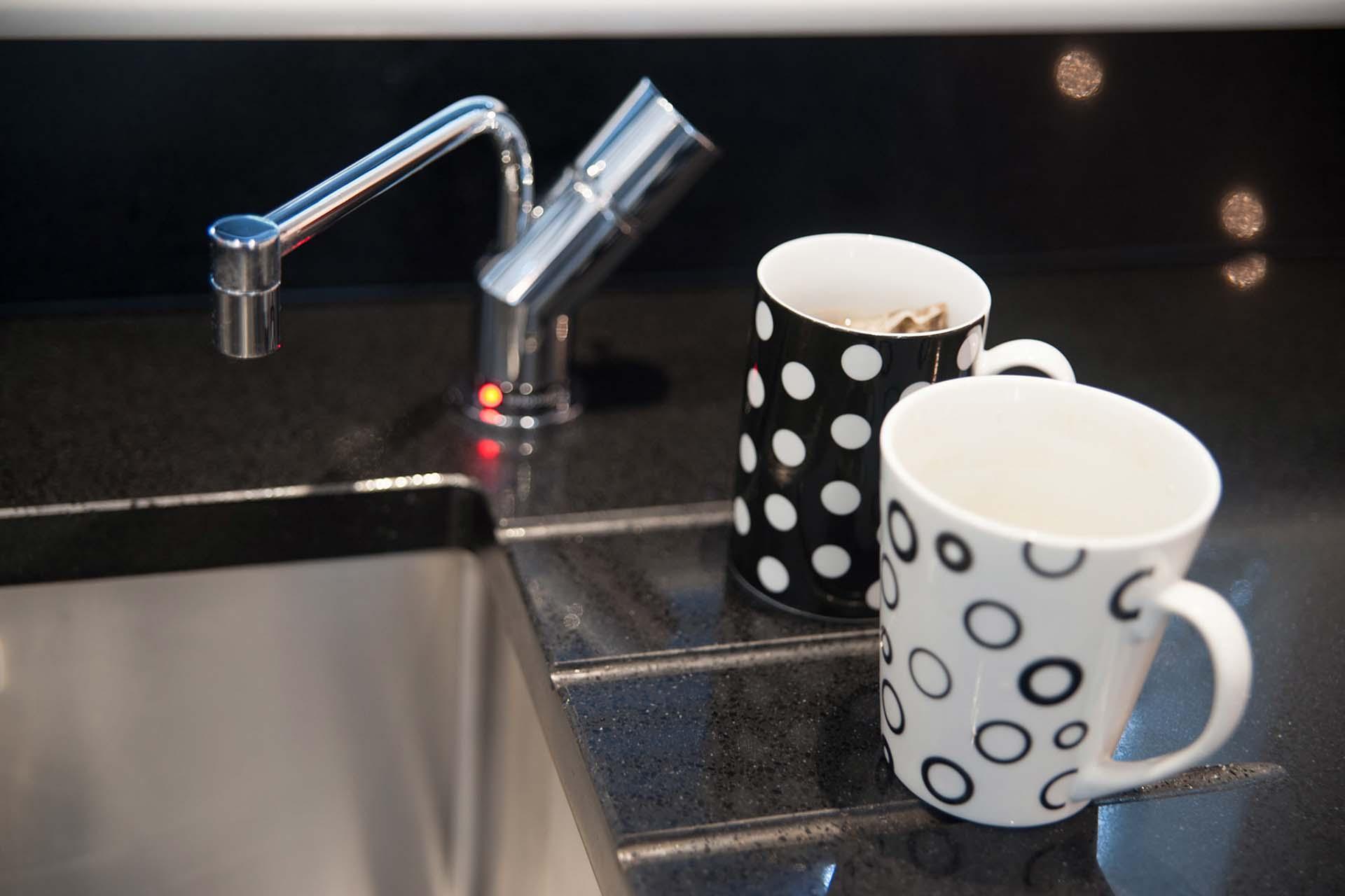heat resistant worktops cups