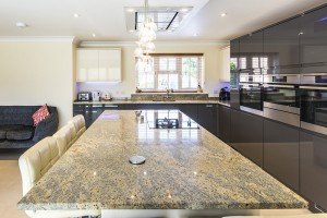 kashmir-gold-granite-horsham-112451-a-island-kitchen-min-min