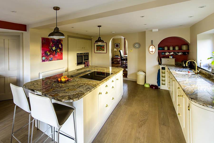 paisley-gold-granite-betchworth-surrey-15381714-min-min