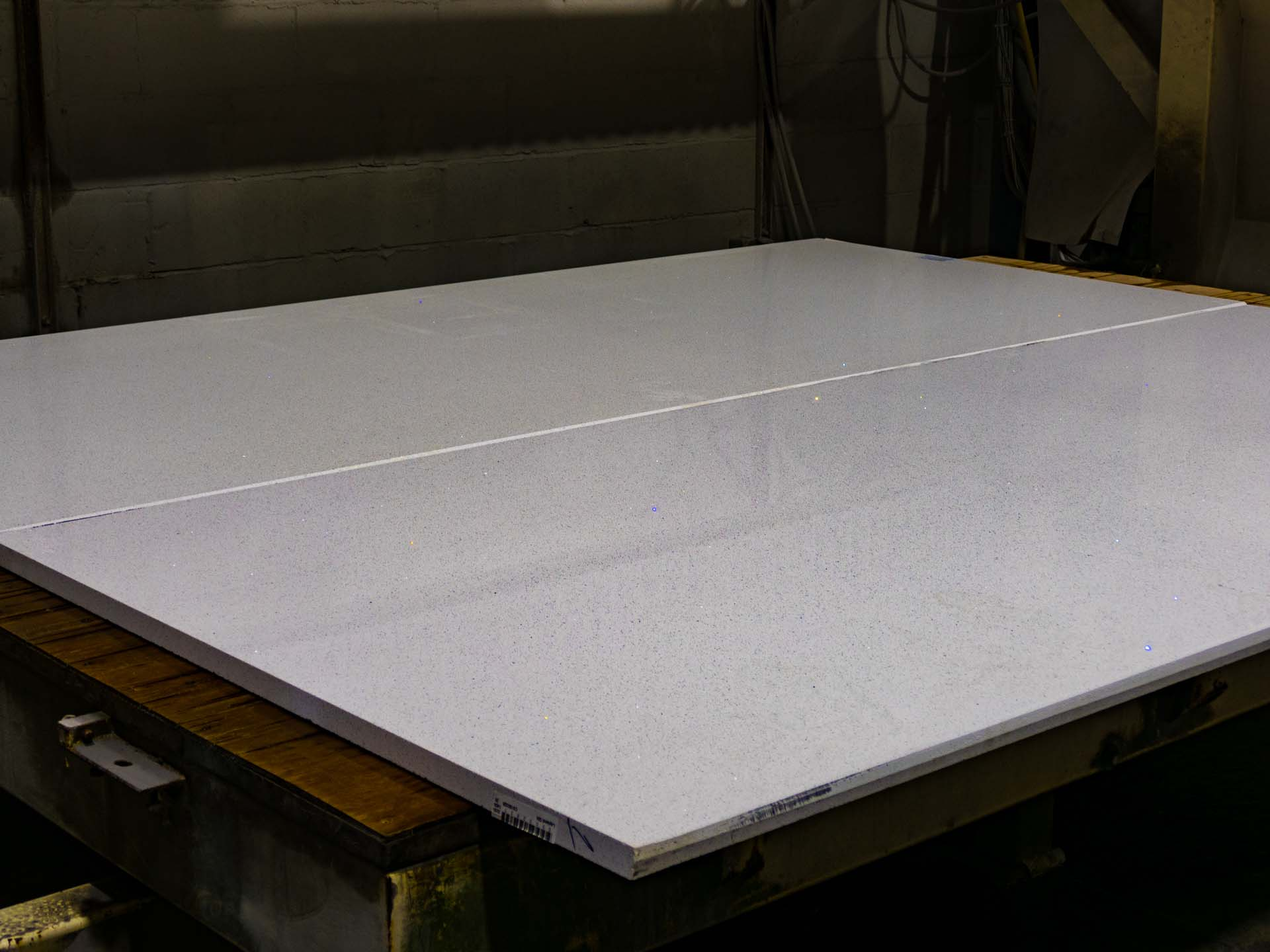 quartz-worktops-slab-variation-083916-1