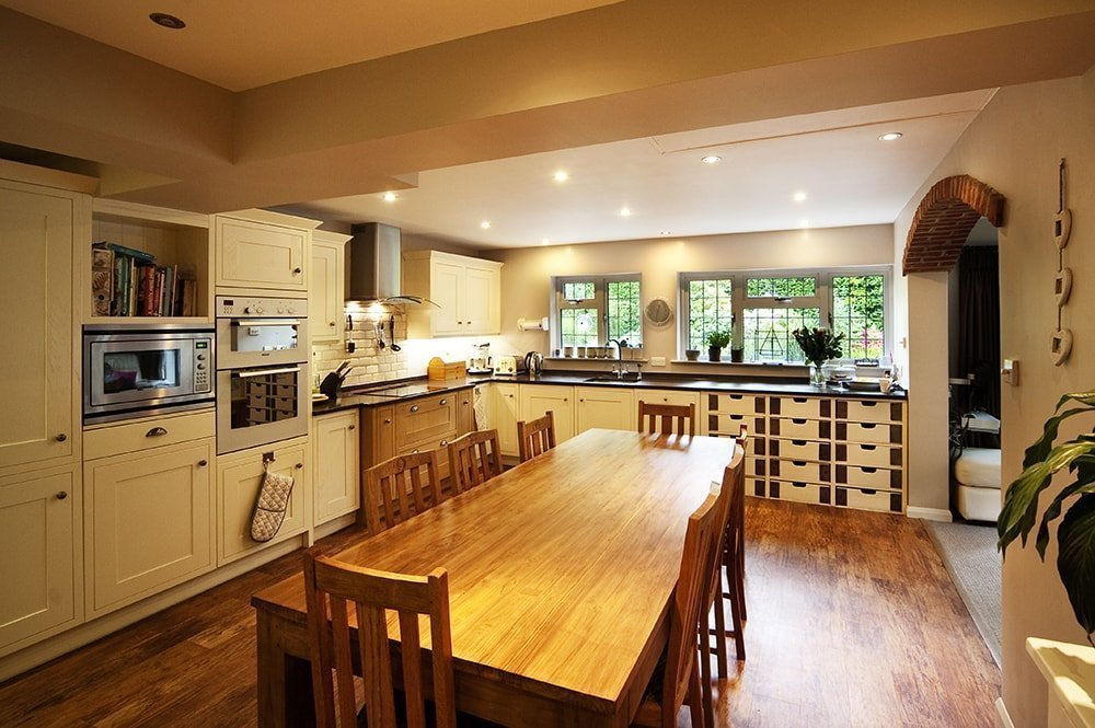 samsung-radianz-mirama-bronze-horsted-sussex-123513-a-kitchen-min