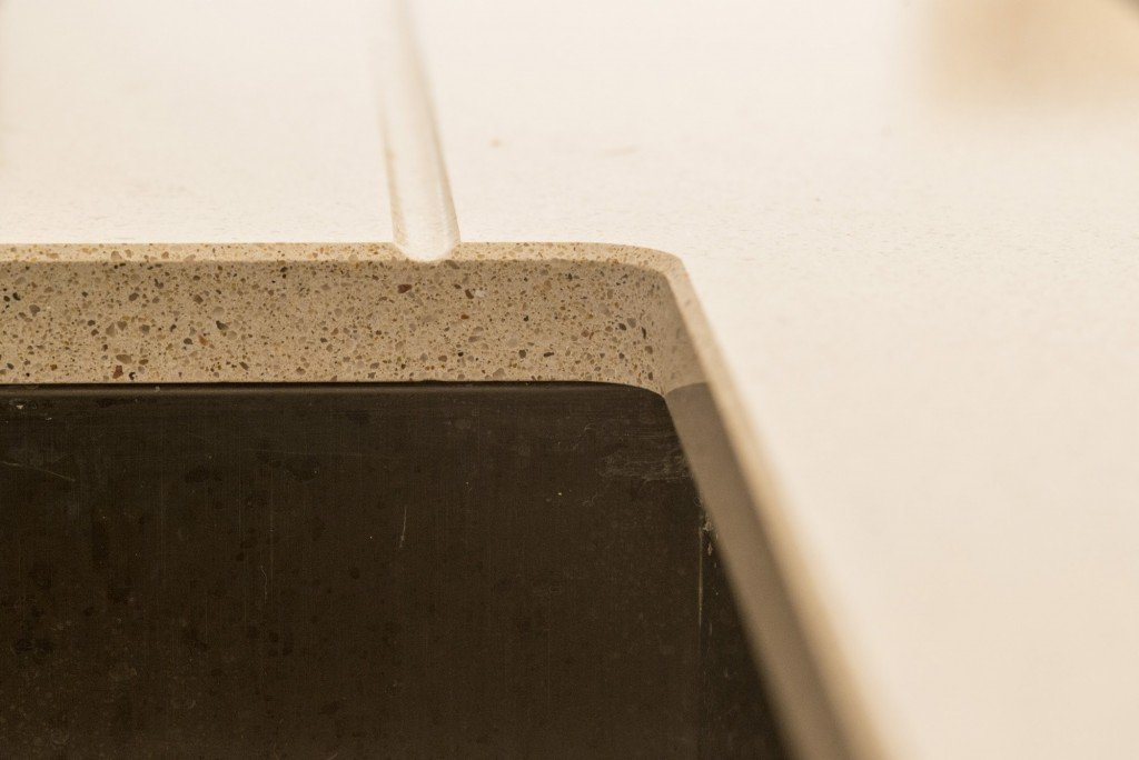 silestone_blanco_city_20mm_ashford_middlesex_133026_a_small_radius_corner_cutout-min