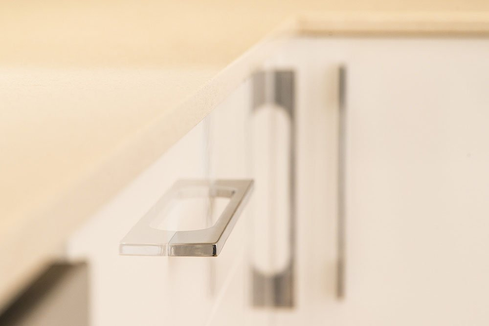 silestone_blanco_city_20mm_ashford_middlesex_133044_a_door_handle-min
