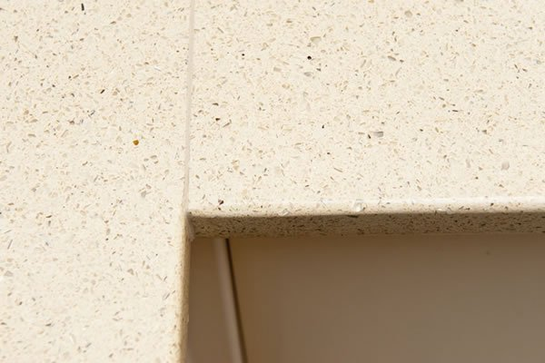 Close-up of the joint in the quartz worktop