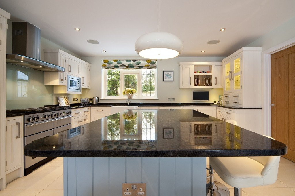 steel-grey-granite-cuckfield-west-sussex-yew-tree-kitchens-110302a-island-min