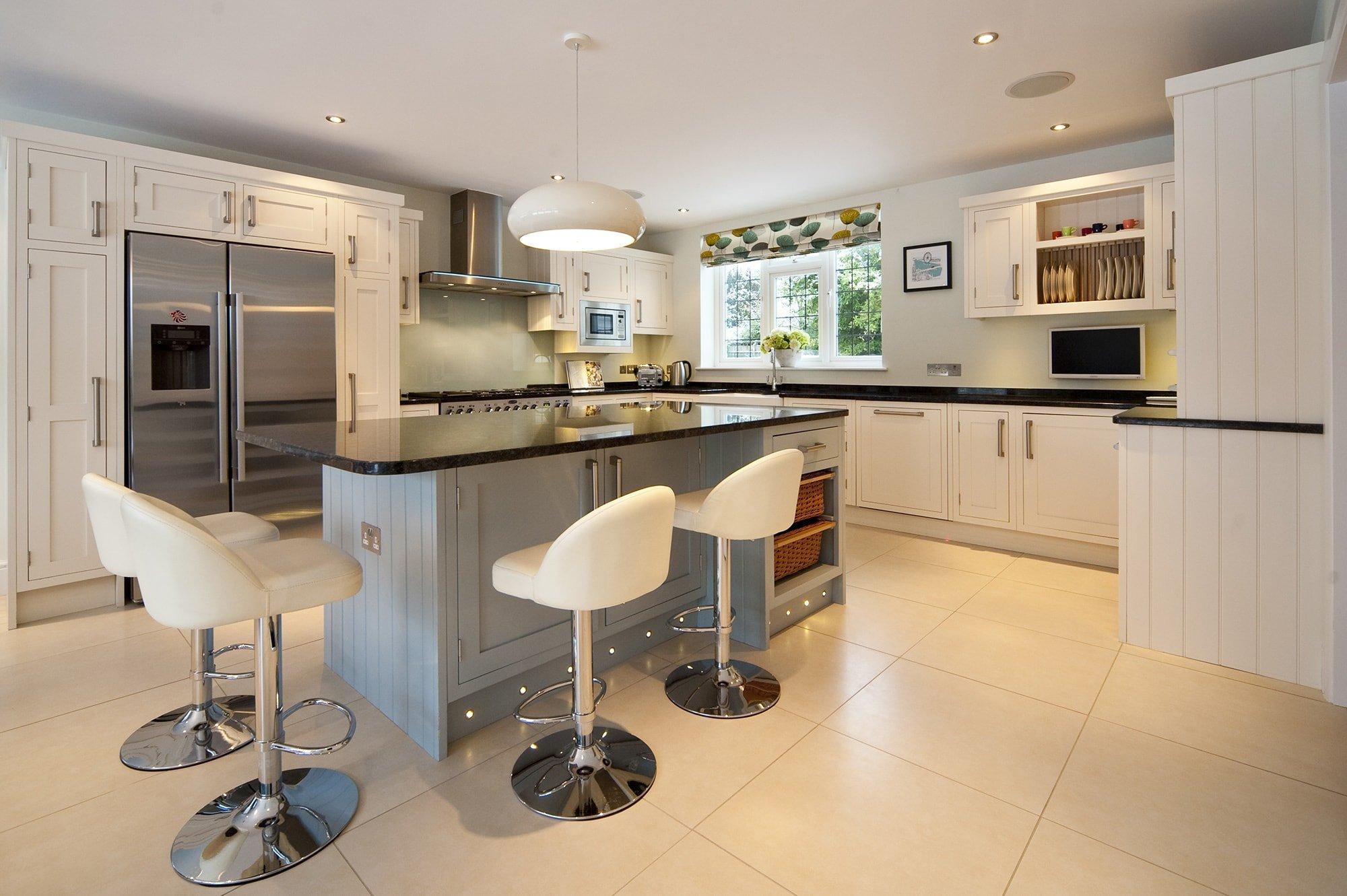 steel grey granite cuckfield-west-sussex-yew-tree-kitchens-110424b-kitchen-min